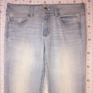 Light wash AEO Jeans